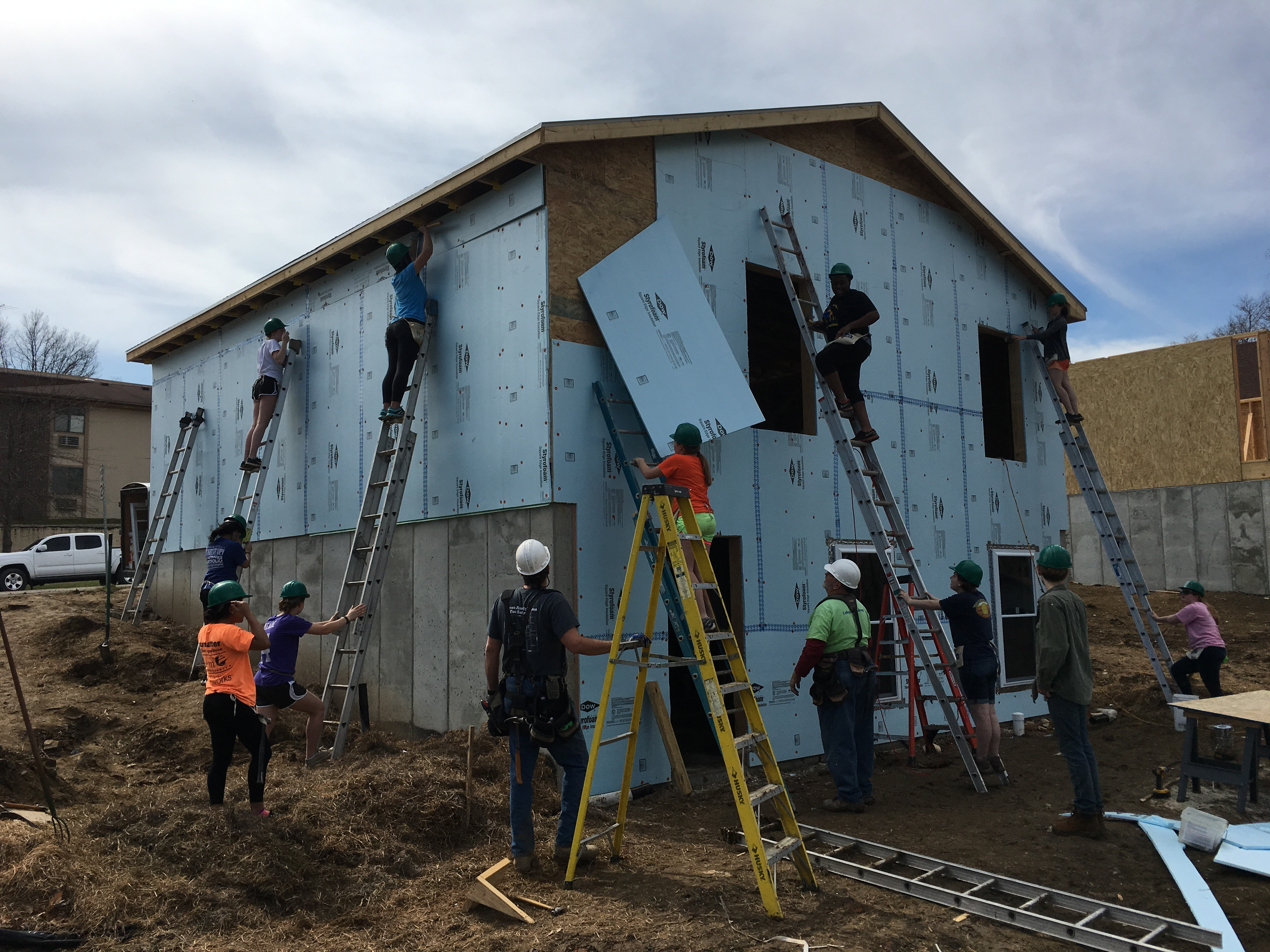 Community Service Initiative students building a home in Missouri with Habitat